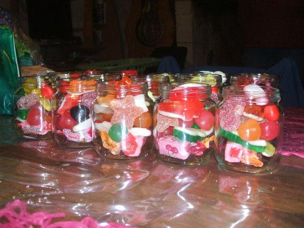 Pots de bonbons pour les enfants - Decoration en bonbon pour anniversaire ...